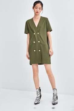 robe à deux rangées de boutons